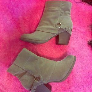Fergie grey booties